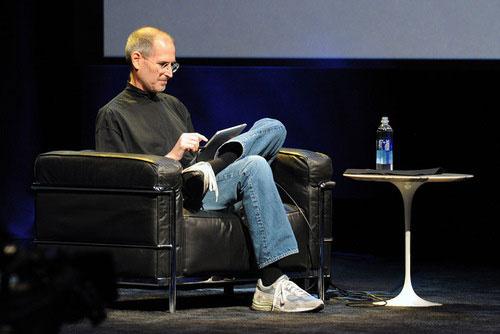 Photo of Apple nega veracidade de supostos emails de Steve Jobs nos últimos dias