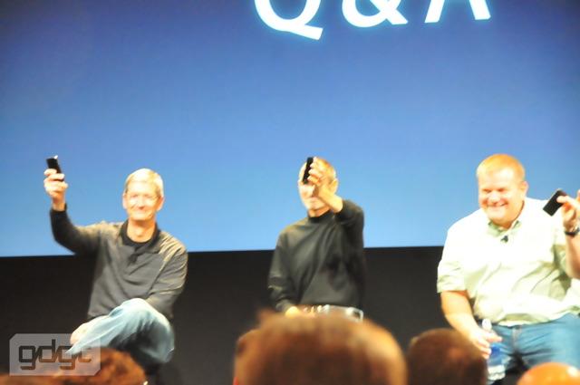 Photo of E Steve Jobs, usa um Bumper no seu iPhone 4?