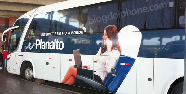 Ônibus com serviço de Wi-Fi