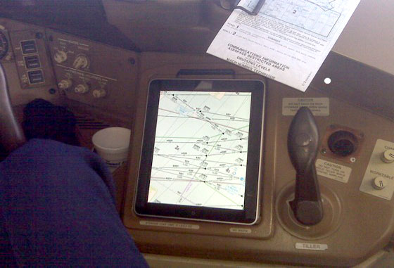 Photo of American Airlines poderá usar o iPad como instrumento em todas as fases de voo