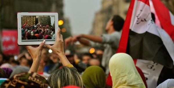 Jornal de Chicago troca equipe de fotógrafos profissionais por iPhones