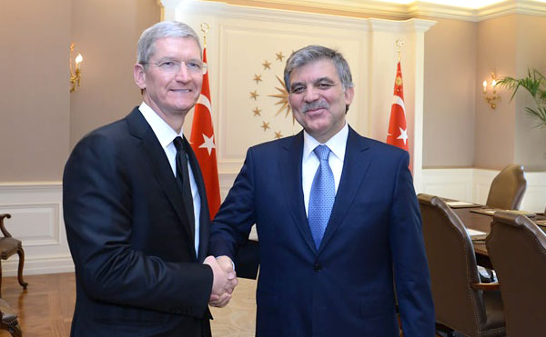 Tim Cook e Abdullah Gul