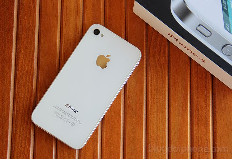 Photo of Apple deixa de vender o iPhone 4 no Brasil