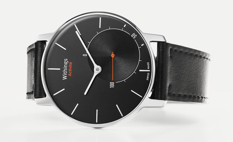 Photo of Withing Activité, um smartwatch analógico