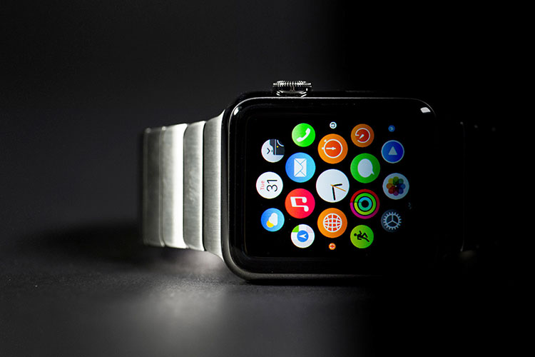 Photo of Veja os primeiros unboxings do Apple Watch, antes do lançamento