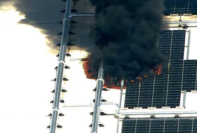 Um pequeno incêndio atinge instalações da Apple no Arizona nesta tarde