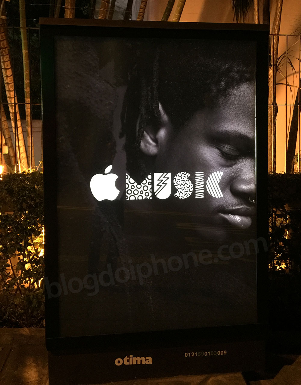 Cartaz Apple Music