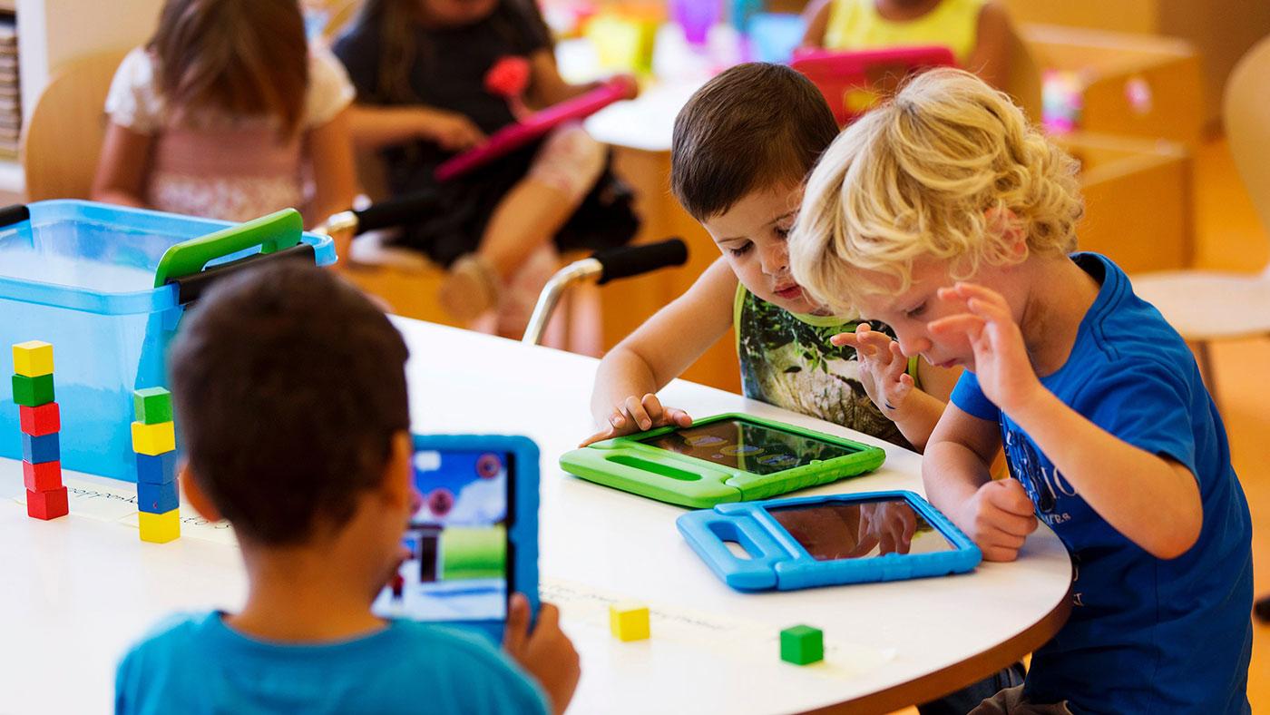 Photo of Médicos estão trocando sedativos por iPads para acalmar crianças antes de cirurgias