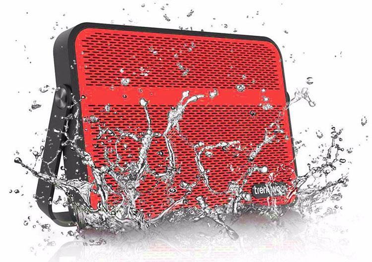 blade-bluetooth-speaker-1