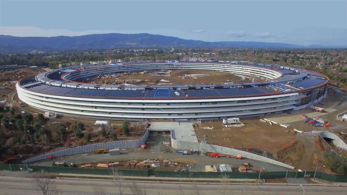 Photo of Novo vídeo feito por drone revela mais detalhes do futuro campus da Apple