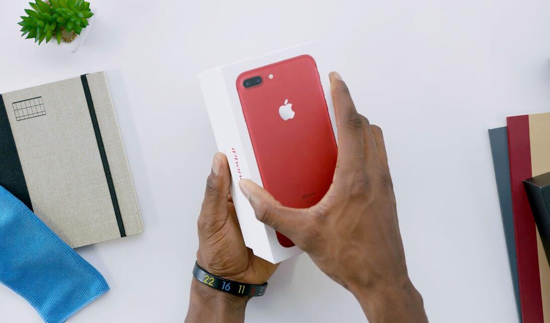 Photo of Veja o primeiro unboxing do novo iPhone 7 vermelho