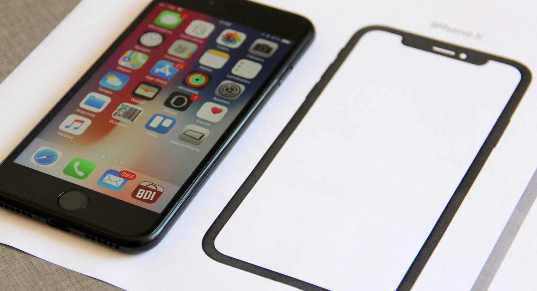 Imprima o iPhone X em tamanho real e veja a diferença em relação aos outros  modelos » Blog do iPhone 458ccbcde2
