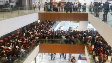 Photo of Promoção de iPhone por US$50 leva 11 mil pessoas para a fila em um shopping