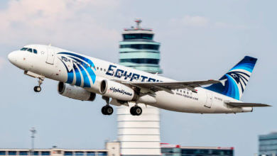 Photo of Advogados usam parentes das vítimas do voo EgyptAir 804 para processar a Apple