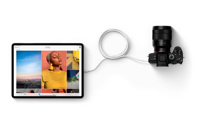 iPad Pro conectado em uma câmera fotográfica profissional