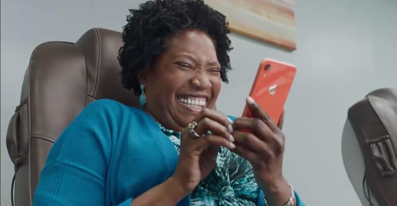Photo of Novo comercial da Apple fala de privacidade de forma simples e divertida